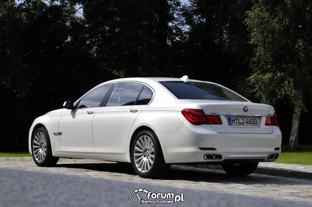 BMW 760Li - seria 7 - widok z tyłu