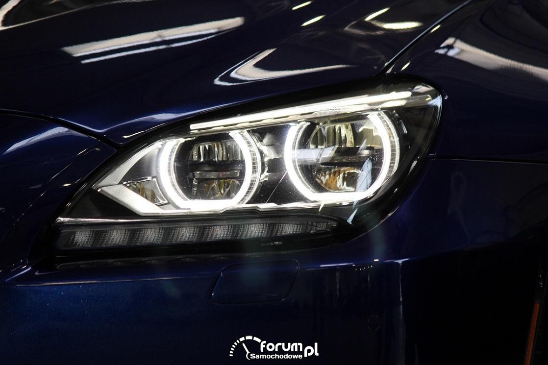 BMW M6, przednie światła
