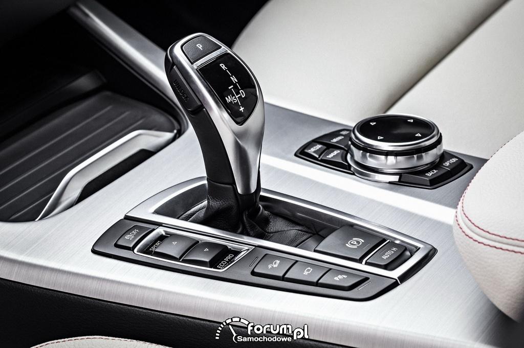 BMW X4, dźwignia zmiany biegów, środkowa konsola