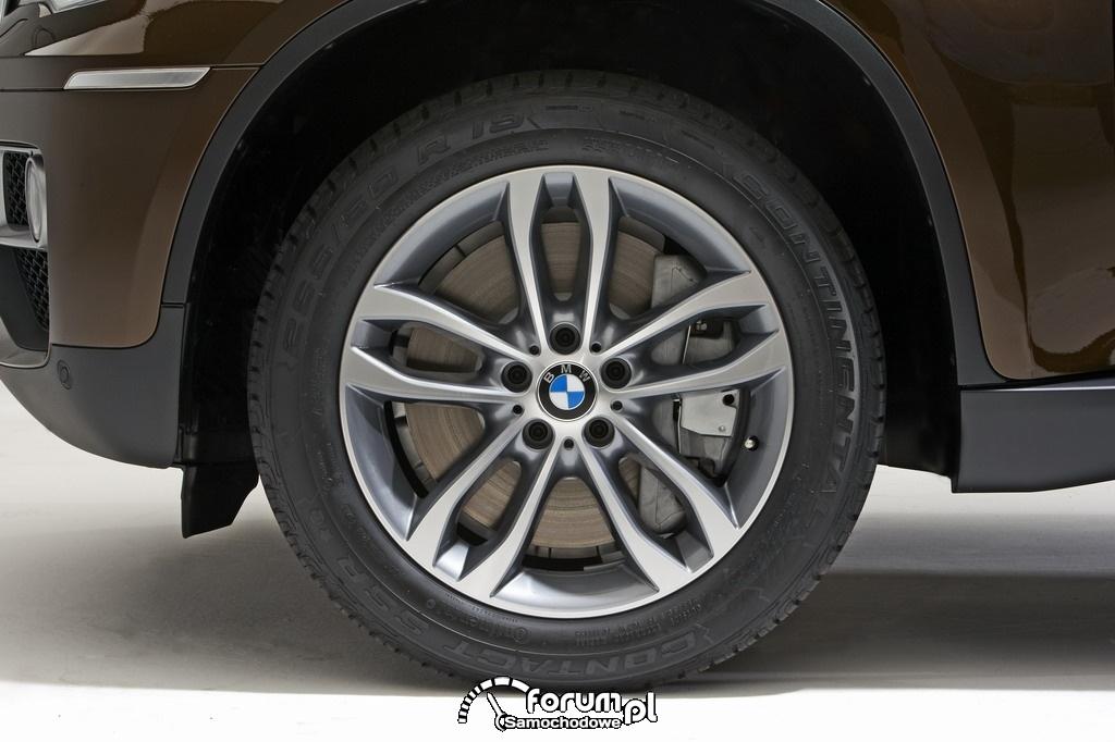 BMW X6 - alumniniowe felgi z oponami 255-55R19