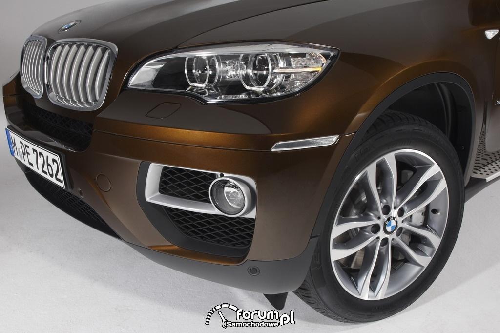 BMW X6 - światła przeciwmgielne