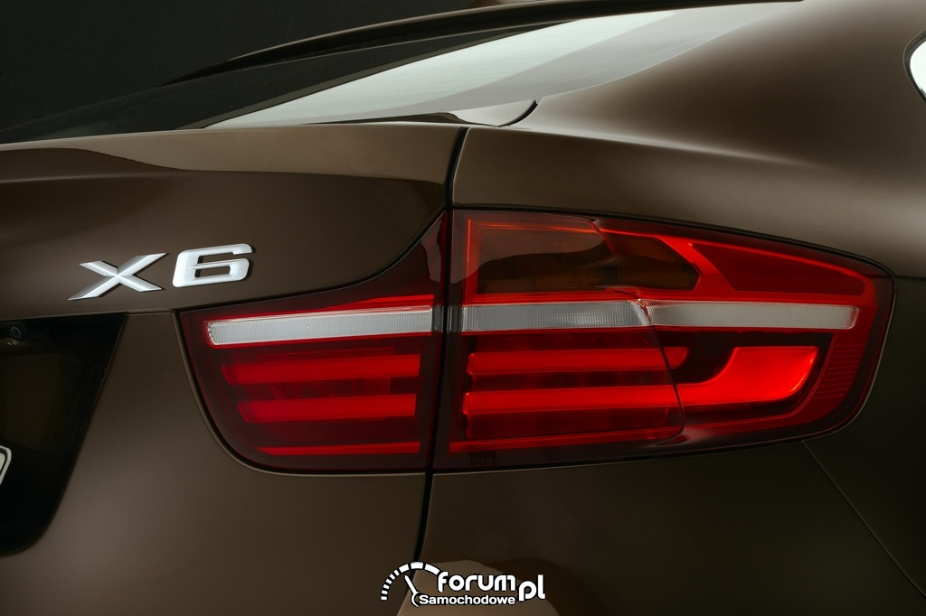 BMW X6 - światła tylne z technologią LED