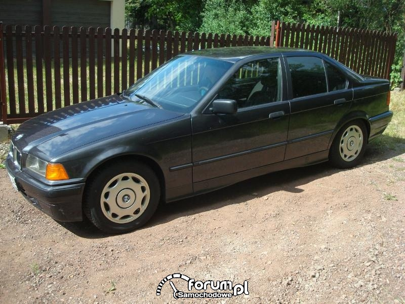 BMW E36 316i - zdjęcie nr 2