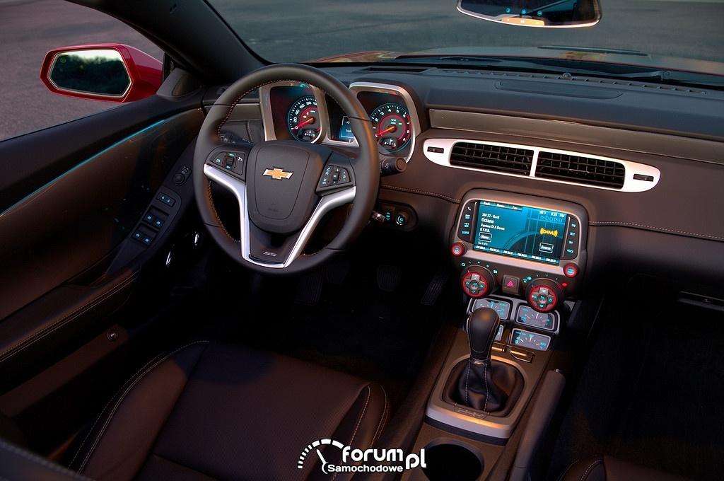 Chevrolet Camaro, wnętrze, deska rozdzielcza