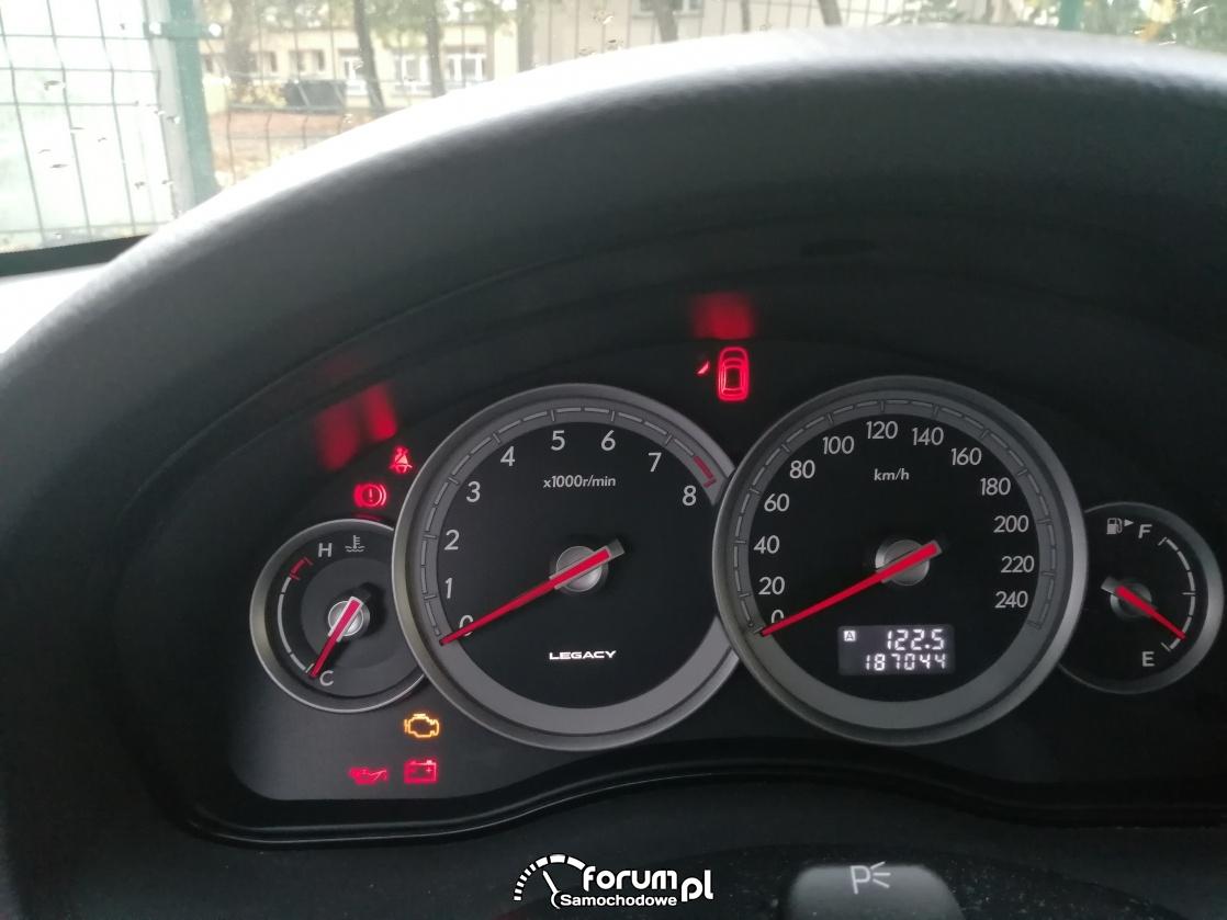 Subaru Legacy - licznik, kontrolki