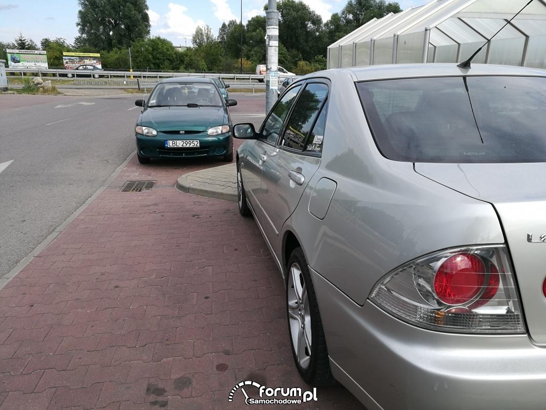 Lexus IS 200 od dzidy
