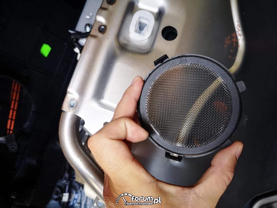 Filtr układu chłodzenia baterii trakcyjnej strona zewnętrzna - Toyota Auris Hybrid