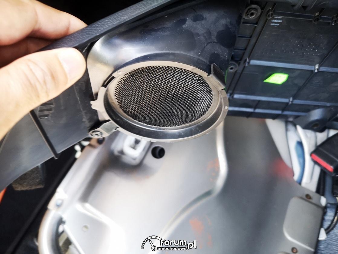 Obudowa z filtrem układu chłodzenia baterii trakcyjnej - Toyota Auris Hybrid