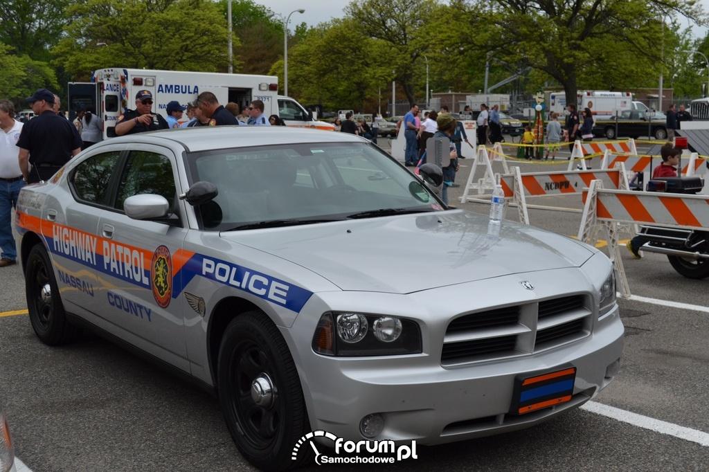 Dodge Charger - Highway Patrol, Nassau, Police