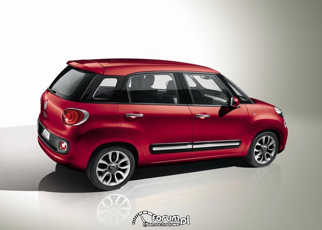 Fiat 500L z boku