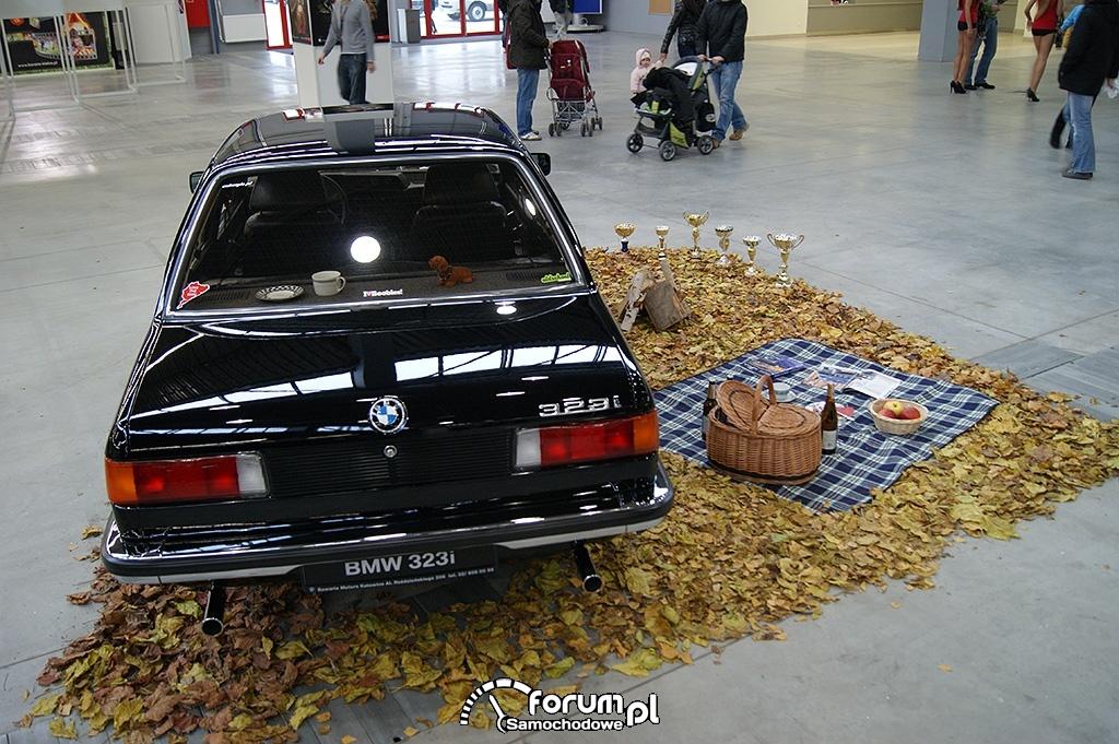 BMW E21 323i, tył