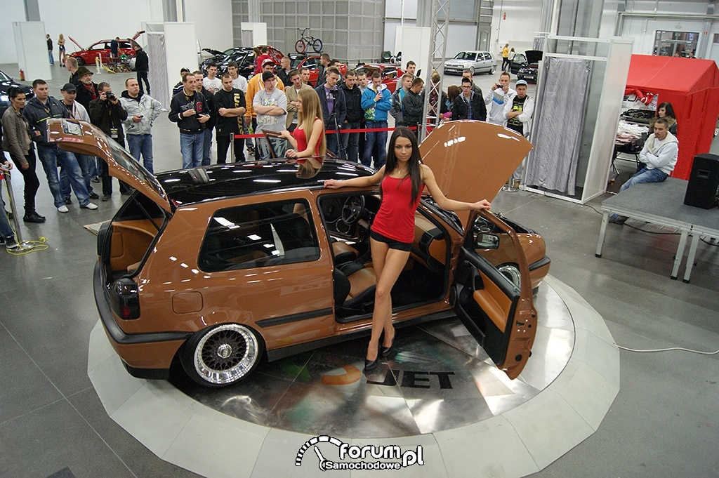 Volkswagen Golf III, brązowy, dziewczyny, 2