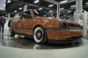 Volkswagen Golf III, brązowy, prezentacja na obrotnicy
