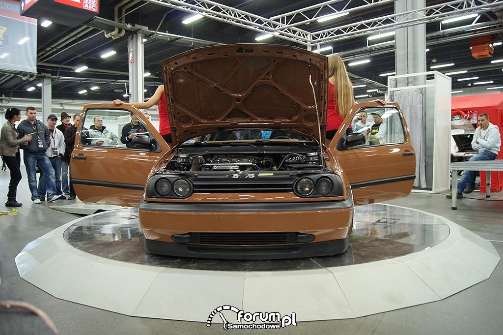 Volkswagen Golf III, brązowy, przód, 2