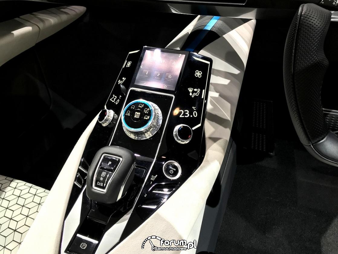 Mitsubishi E-Evolution Concept, środkowa konsola
