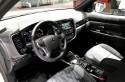 Mitsubishi Outlander PHEV, wnętrze