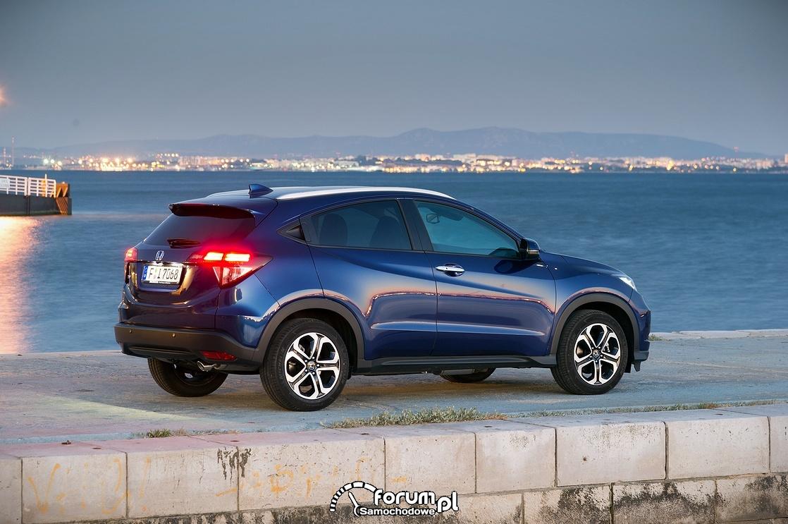 Honda HR-V 2015, bok