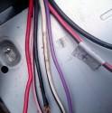 Kable główne które wychodzą z samochodu