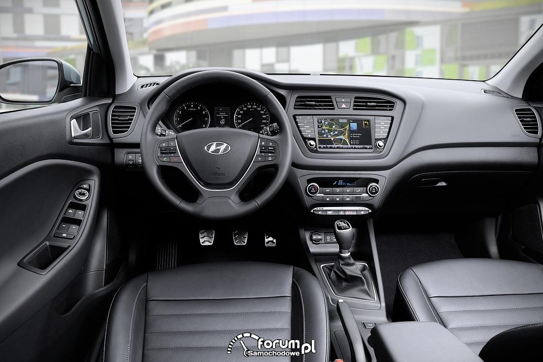 Hyundai i20 Active, wnętrze, deska rozdzielcza