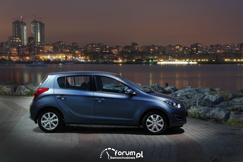 Hyundai i20, bok