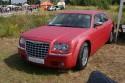Chrysler 300CC, czerwony carbon mat