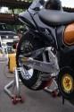 Koc grzewczy na oponie motocykla