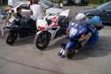 Motory przed startem w parku maszyn