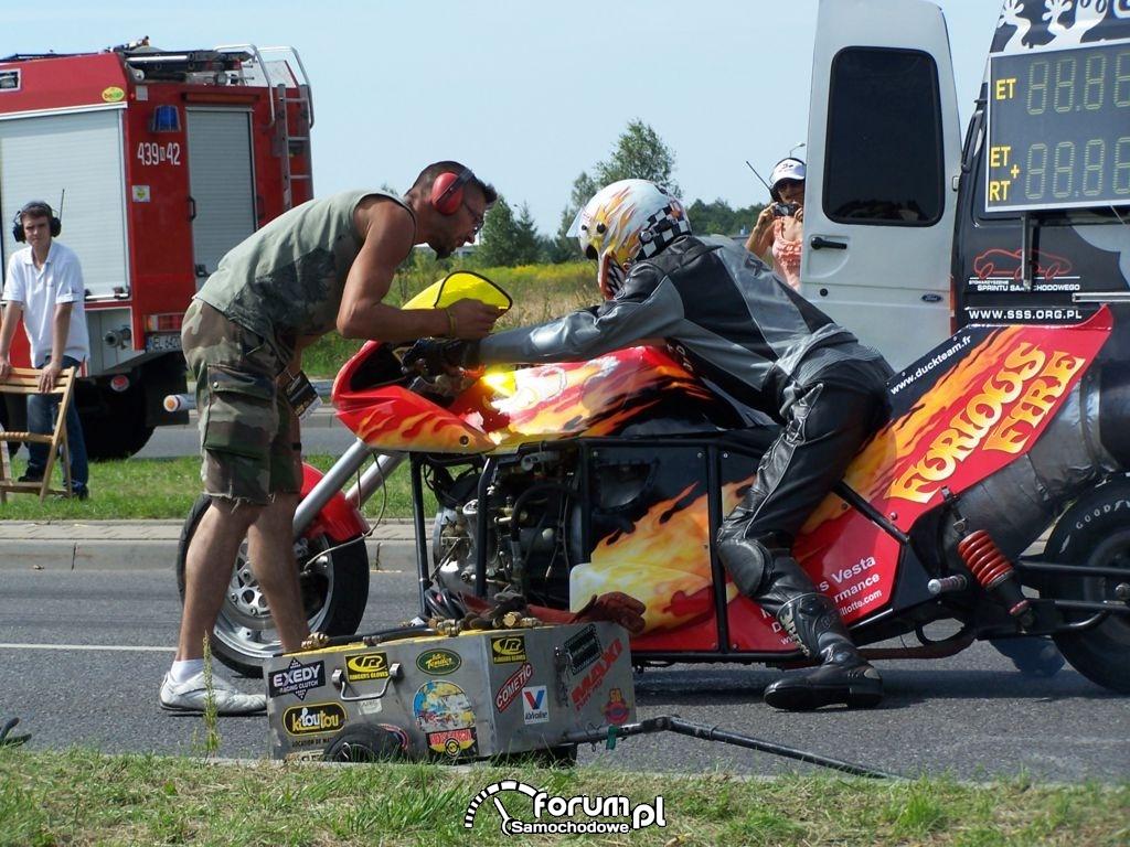 Odrzutowy motor, przed startem
