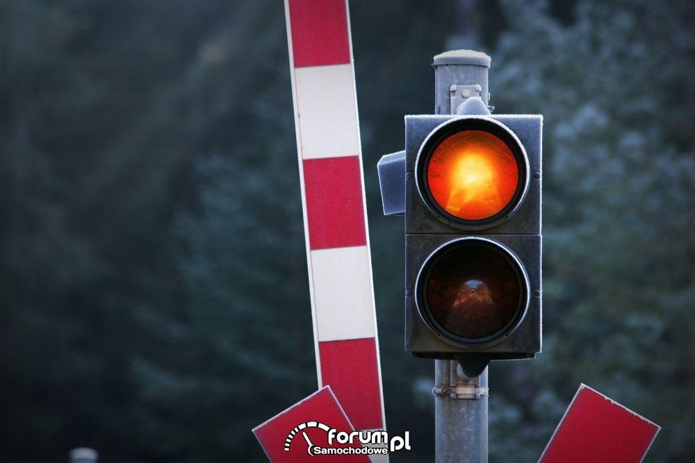 Czerwone światło i szlaban