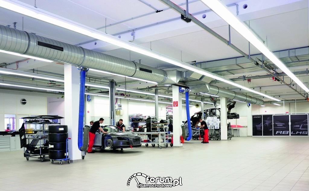 Hala serwisowa Audi, serwis samochodów