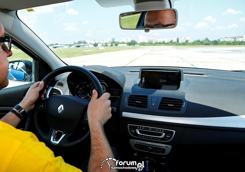 Jak widzimy drogę przed samochodem, nasz wzrok