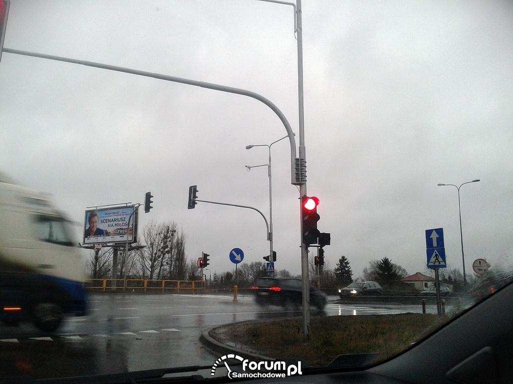 Kamera robiąca zdjęcia podczas przejazdu na czerwonym świetle, Rusiec