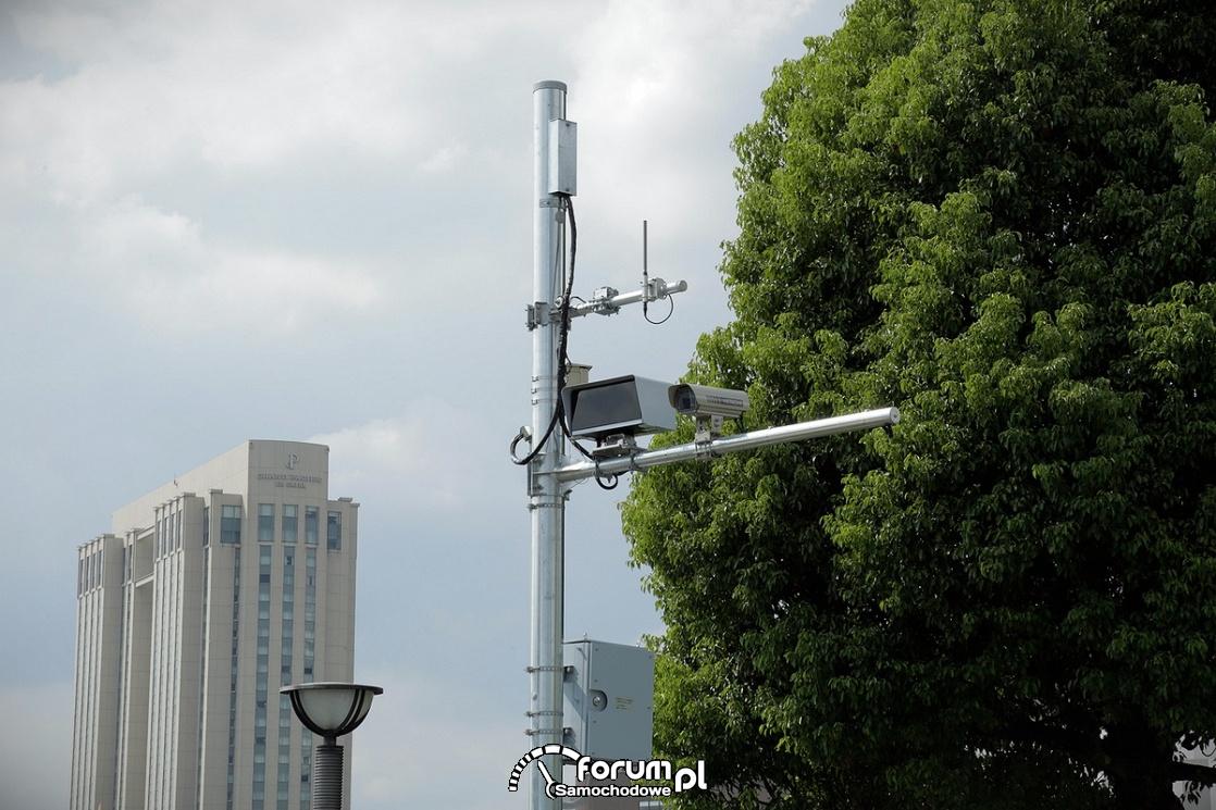 Kamery i czujniki na skrzyżowaniu, sztuczna inteligencja