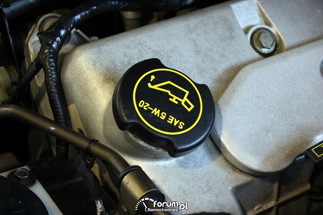 Korek wlewu oleju silnikowego