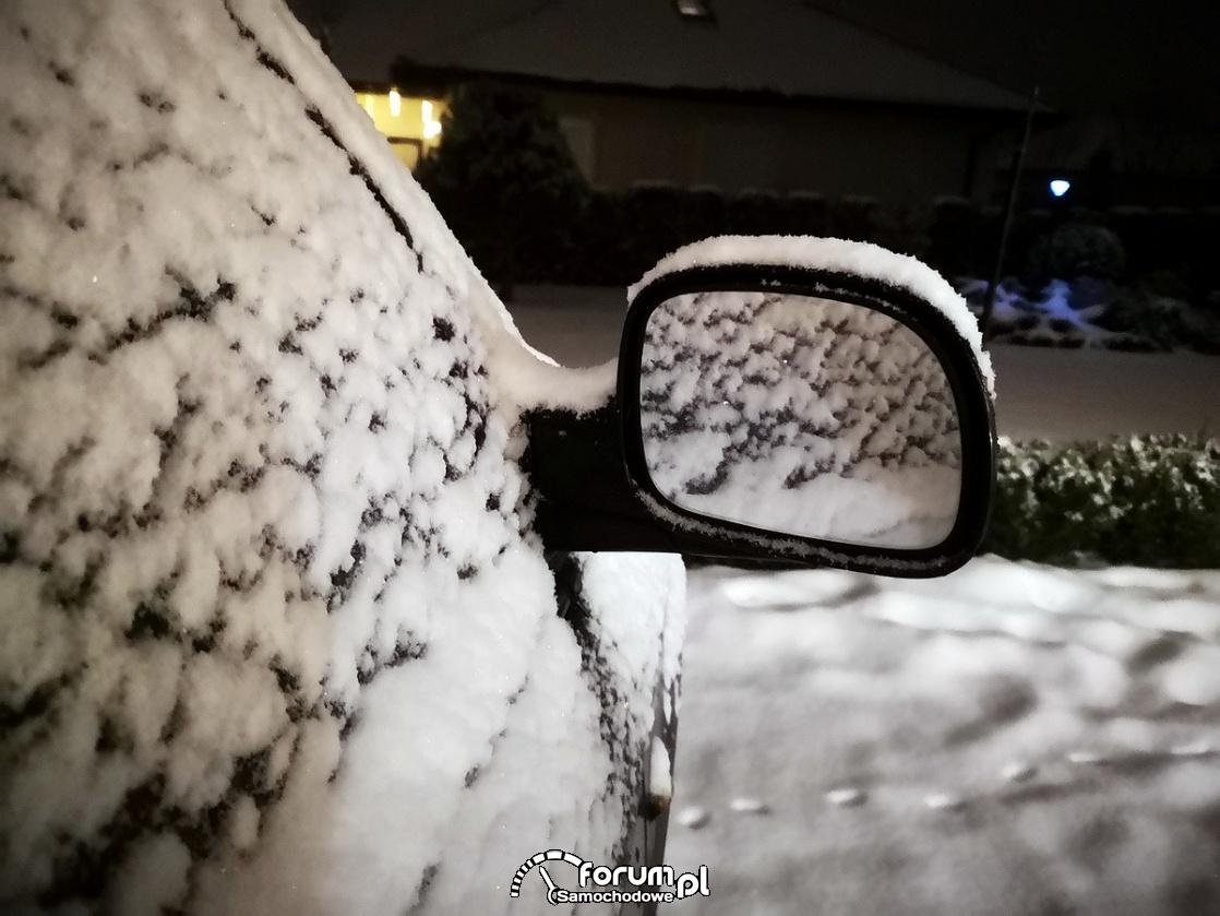 Lusterko wsteczne, śnieg, zima