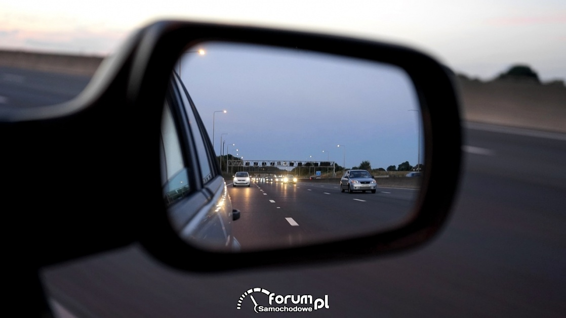 Lusterko wsteczne, widok samochodów