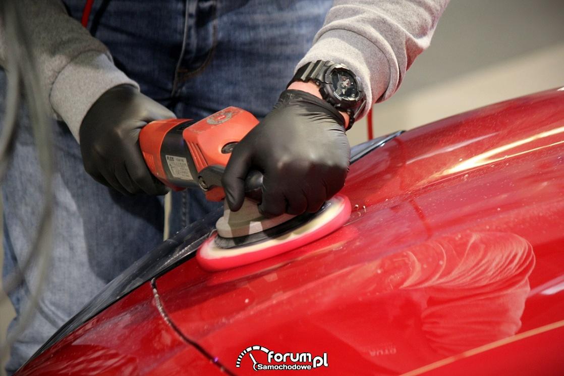 Polerowanie mechaniczne lakieru, auta