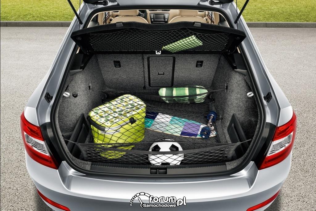 Prawidłowe zabezpieczenie bagażu w bagażniku