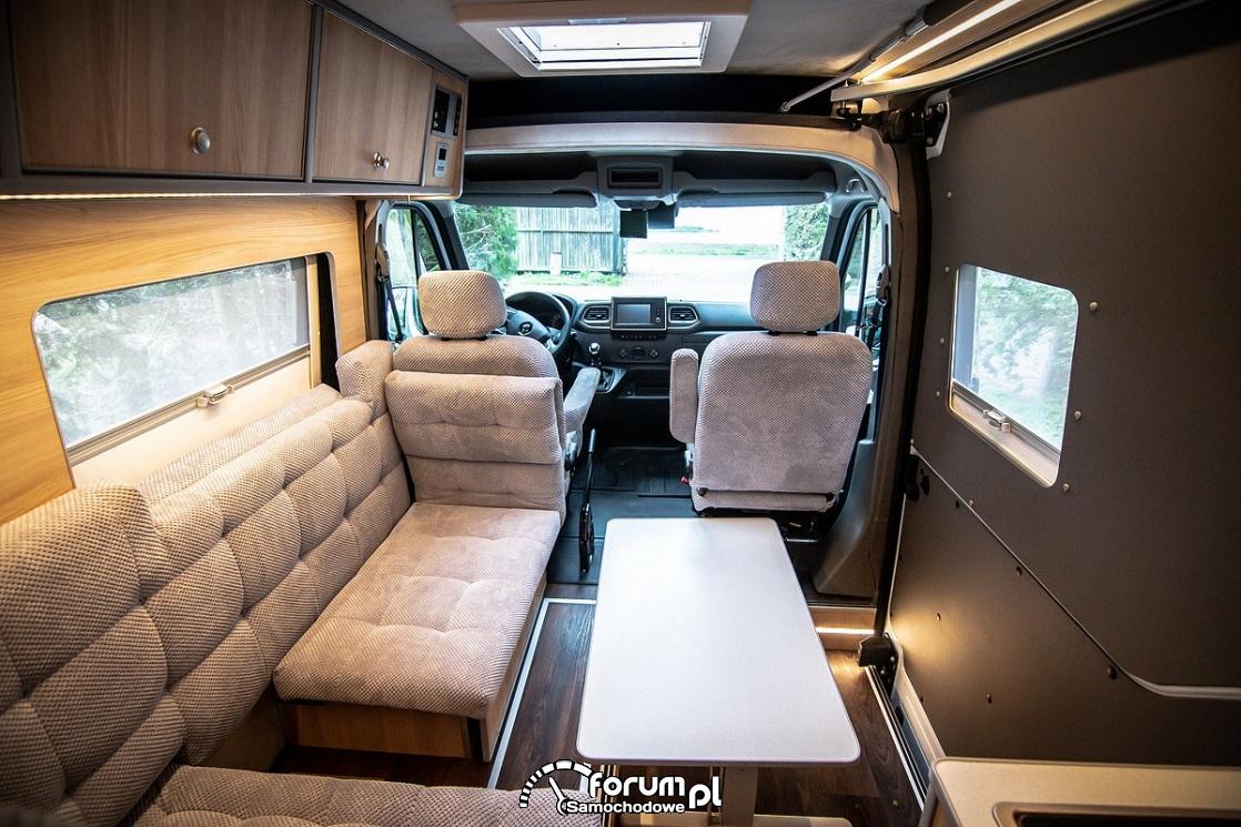 Renault Master Campervan, wnętrze