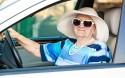 Senior za kierownicą, starsza pani