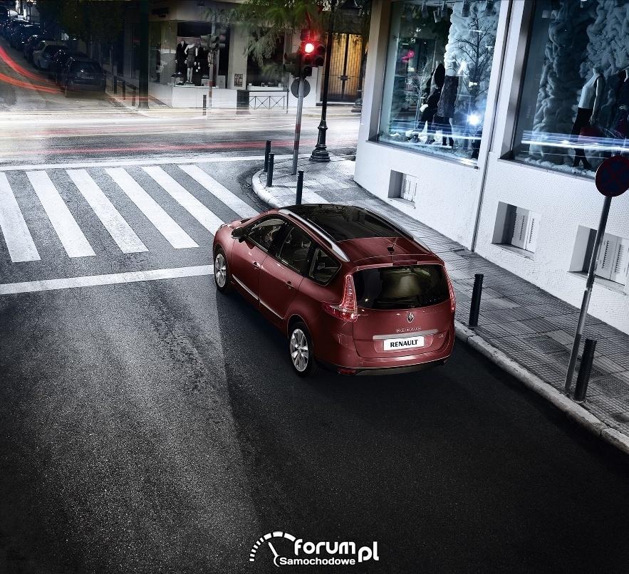 Skrzyżowanie, sygnalizacja świetlna, Renault Scenic