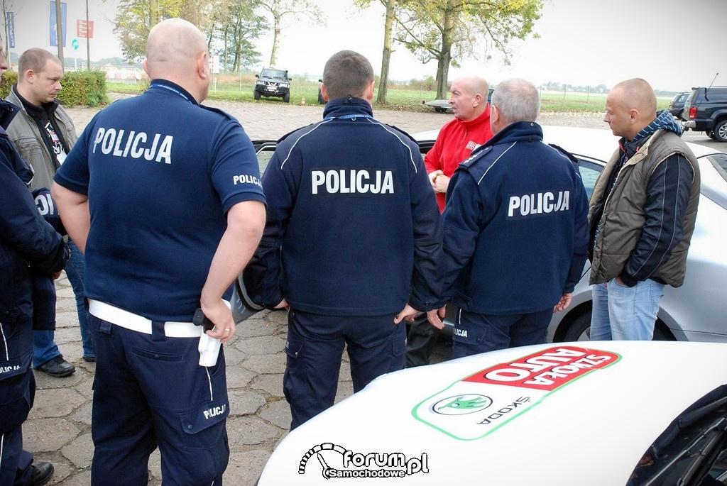 Szkolenie Policjantów z bezpiecznej jazdy samochodem