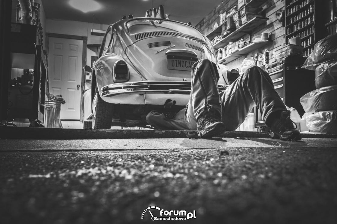 Warsztat samochodowy, naprawa samochodu