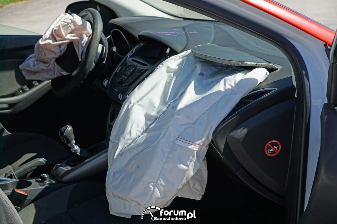 Wystrzelone poduszki w samochodzie