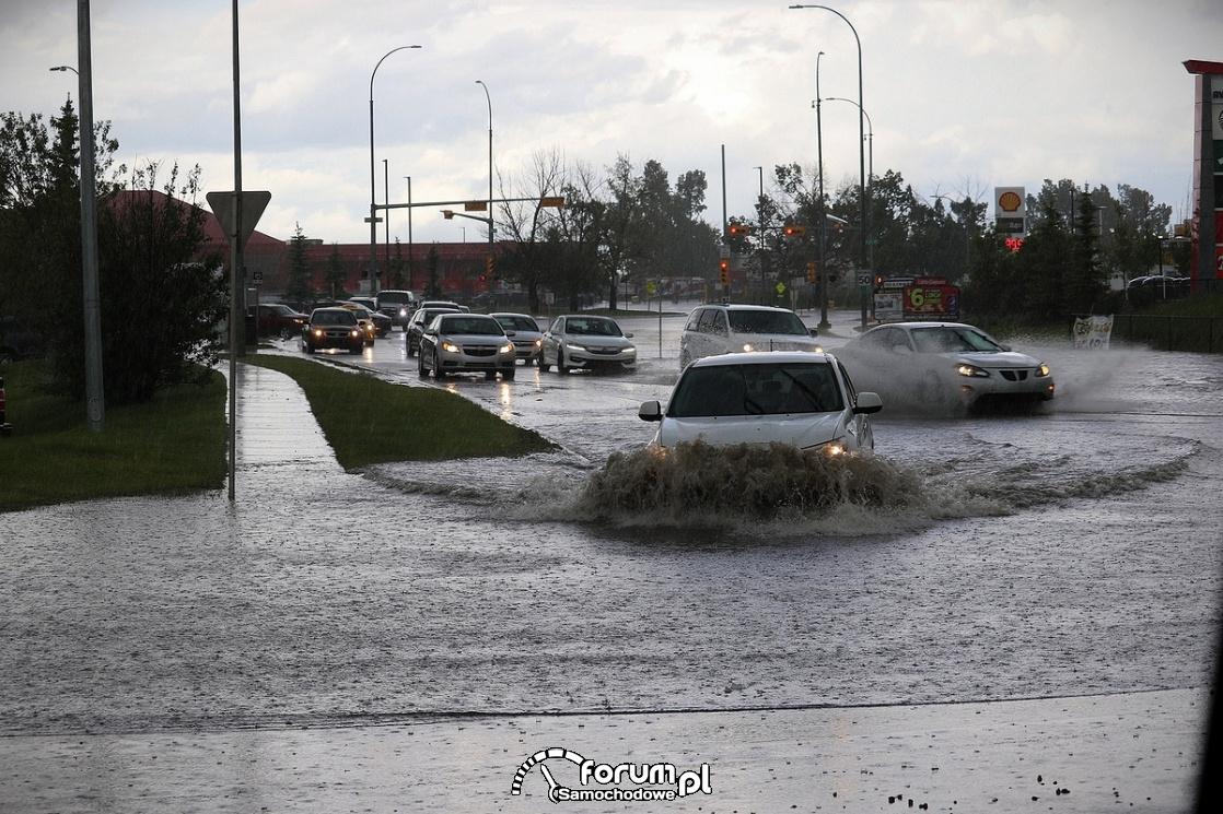 Lipcowe burze – uwaga na gwałtowne opady!