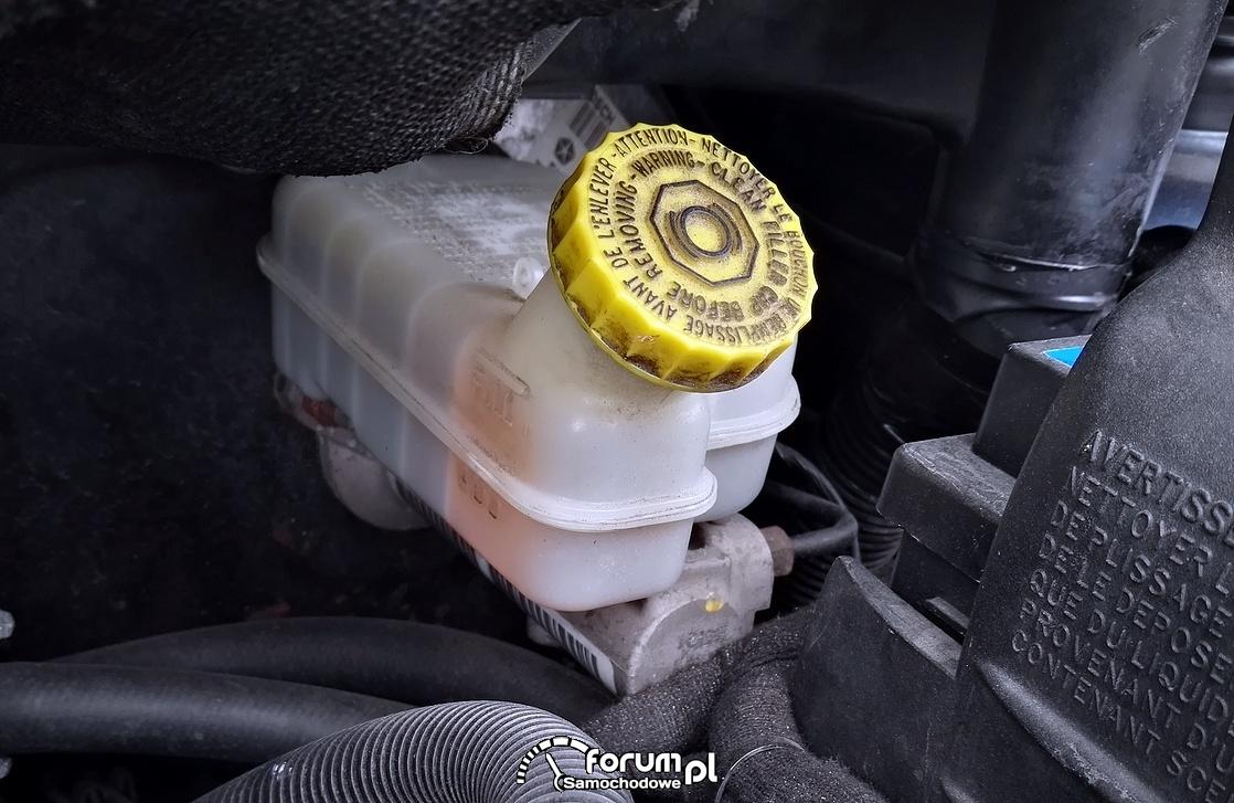 Płyn hamulcowy - nasze bezpieczeństwo na drodze