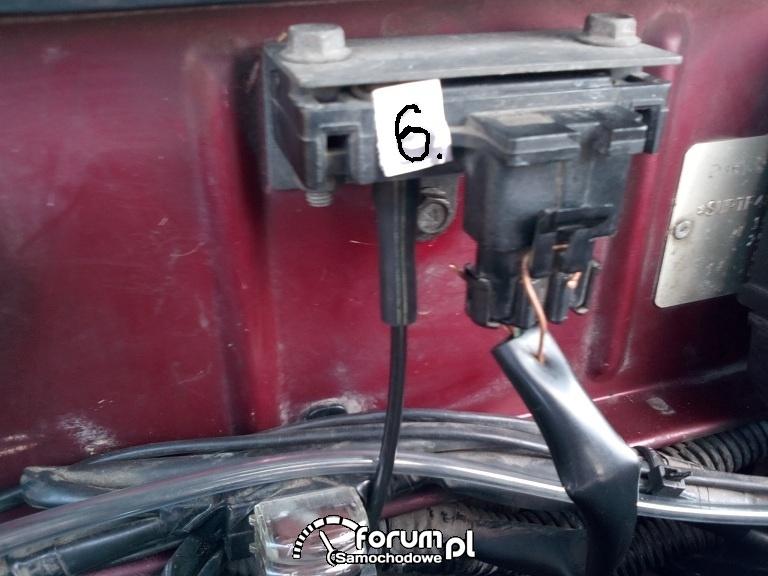 Lanos 1,5 b/16v-foto istniejacych połaczeń rórek podciśnienia na silniku ale nie jeste pewny poprawnosci połączeń.