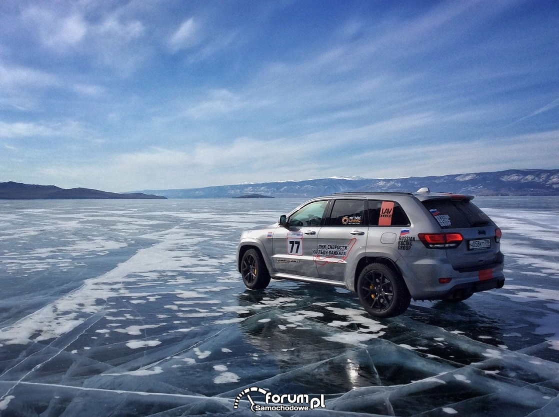 Jeep Grand Cherokee Trackhawk, jezioro Bajkał