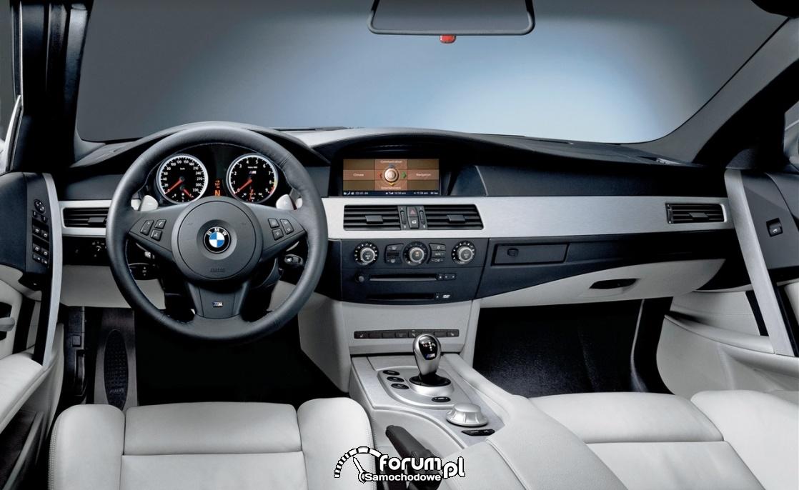 BMW M5 E60, wnętrze, deska rozdzielcza