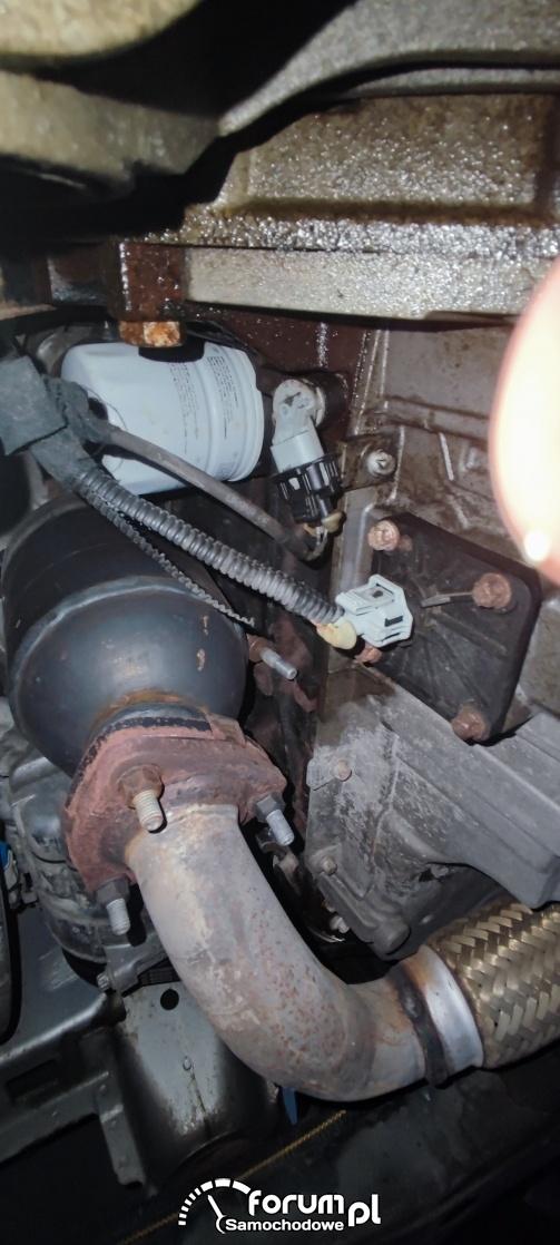 Vectra C 1,8 122KM benzyna - płyn chłodniczy w czujniku położenia wału